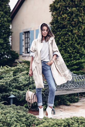 viva luxury blogger jacket bag shoes sweater jeans ankle boots spring outfits beige coat