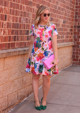 stylin in st. louis blogger dress sunglasses jewels shoes floral dress summer dress pink bag spring outfits high heel pumps green shoes