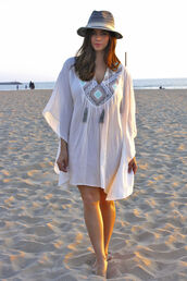 dress,resort outfit,tunic dress,beach,beach dress,tassel,outfit,bohermian,boho,boho chic,resort dress,embroidered,embroidered dress,vacation dress,white dress,style,fashion,summer dress,summer outfits,spring,spring outfits,trendy,coachella,festival