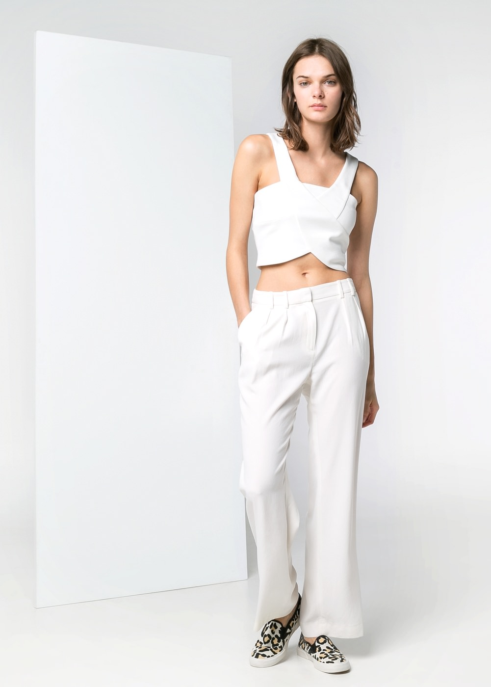Pleated crepe trousers -  							  							Women - 							MANGO