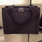 bag,channel bag,black