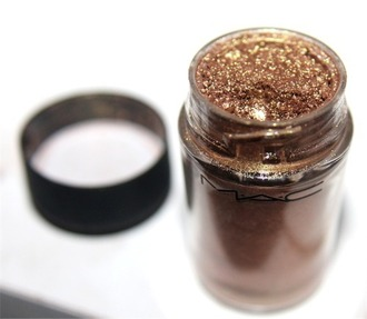 make-up sparkly mac