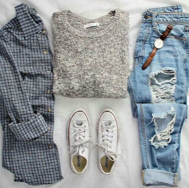 sweater jeans boyfriend jeans cardigan pants pants denim blue ripped ripped hole holes fray frayed fraying urban cute cool tumblr teenagers girl 90s style grunge vintage retro summer spring fall outfits fall outfits winter outfits style fashion dress azerbaycan ripped jeans grey sweater flannel shirt converse outfit