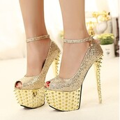 shoes,pumps,spikes,gold,cute,girl,girly,classy