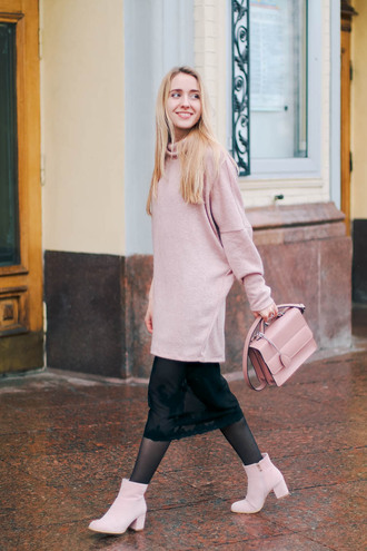 anna pogribnyak city fashion: my vision blogger shoes sweater dress bag coat pink sweater oversized sweater pink bag ankle boots midi skirt pink boots