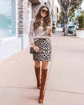 skirt,mini skirt,leopard print,knee high boots,brown boots,suede boots,shoulder bag,mini bag,logo belt,sweater,knitted sweater