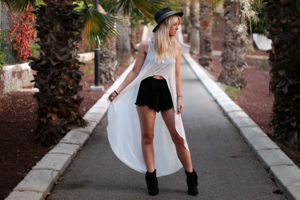 top shoes jewels black shorts cute blogger fashion