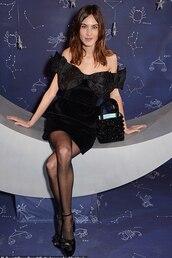dress,alexa chung,blogger,black dress,little black dress