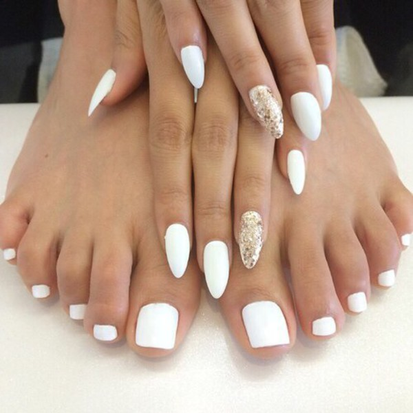 nail polish white gold