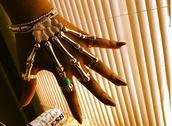 jewels,skull hands