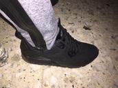 shoes,black,nike