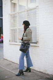 jacket,houndstooth,printed jacket,jeans,denim,blue jeans,cropped jeans,boots,black boots,beret,bag