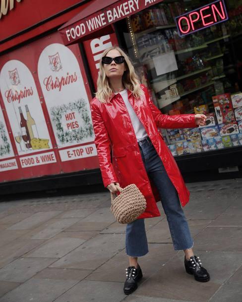 coat tumblr red coat vinyl denim jeans blue jeans cropped jeans shoes black shoes sunglasses bag