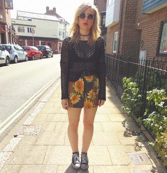 the velvet black grunge blogger top shorts shoes underwear sunglasses