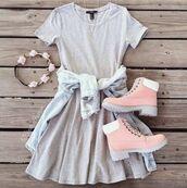 dress,cute,cute dress,grey dress,tomboy,boots,rose gold boots,pink boots,cute boots,flower crown,flowers,flower headband,tomboy outfit