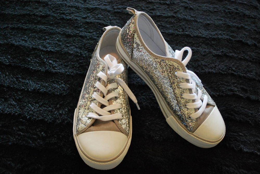 Old Navy Girls Silver Sparkle Glitter Shoes Sneakers Tennis 10 12 Gap Converse | eBay