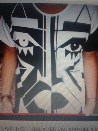 t-shirt black and white geometric