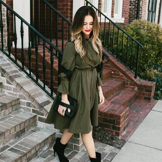 dress tum grey dress midi dress long sleeves long sleeve dress bag black bag fall outfits fall dress boots ankle boots black boots high heels boots ombre hair