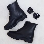 shoes,boots,black boots,therapy,therapy boots,all black boots,fake docs,dupe docs,DrMartens,army boots,combat boots,peppermayo