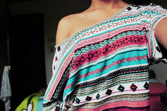 shirt aztec pink light blue oversized off the shoulder tribal pattern t-shirt sweater ethnic ethnic print girly clothes cute one shoulder shirt colorful crop tops blue cropped tank top one shoulder summer outfits summer off shoulder crop top tribal print sweater tribal shirt aztec sweater aztec top top vintage outfit ideas pink by victorias secret ethno sweet black white blouse beautyful hype hipster aztec shirt sholder