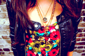 jacket,floral,black jacket,necklace,colorful,summer,jewels,clothes,t-shirt,leather,edgy,pretty,pretty little liars,leather jacket,jewelry,gold necklace,floral tank top,flowers,shirt,follow me mamas,colorful shirt,floral print shirt,tank top,red,yellow top,flower patern,flower top,top