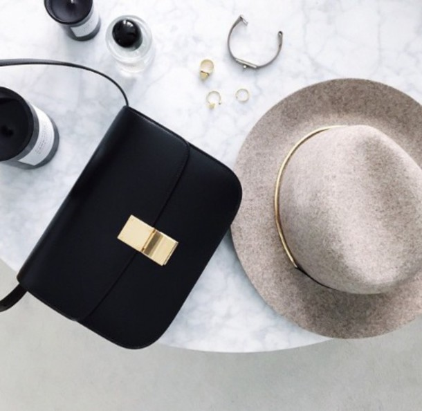 hat find the hat and bag pls black bag crossbody bag fedora grey pink