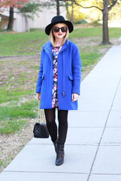 poor little it girl,blogger,bag,jewels,tights,blue,coat,floral skirt,sunglasses,earrings,hat,opaque tights