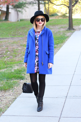 poor little it girl blogger bag jewels tights blue coat floral skirt sunglasses earrings hat opaque tights