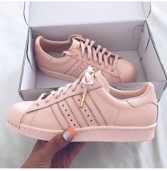 shoes adidas superstars adidas pink rose gold pastel pink dor? nude rose adidas shoes tumblr shoes pink sneakers