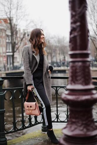 le fashion image blogger coat sweater bag pants socks ankle boots grey coat spring outfits pink bag