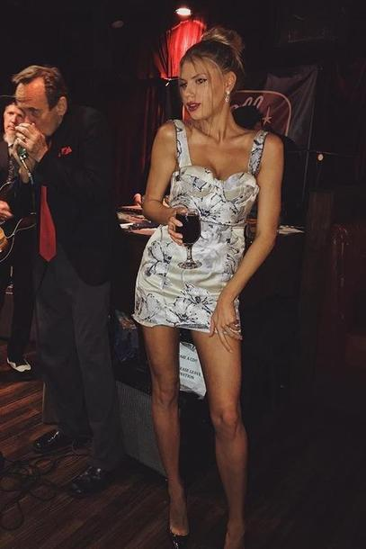 dress charlotte mckinney mini dress model off-duty bodycon