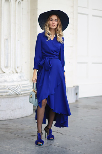 from brussels with love blogger dress tights shoes wrap dress blue dress sandals