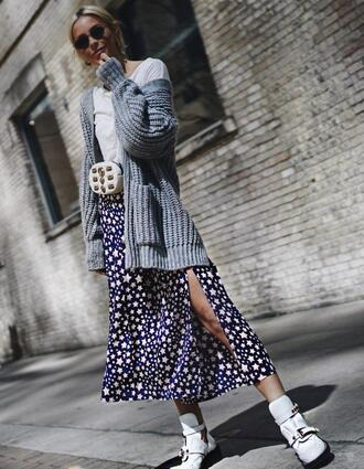happily grey blogger skirt shoes sweater boots slit skirt stars spring outfits cardigan