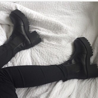 shoes boots black black shoes black boots cute hipster grunge shoes grunge high heels high cute shoes cute boots crazy