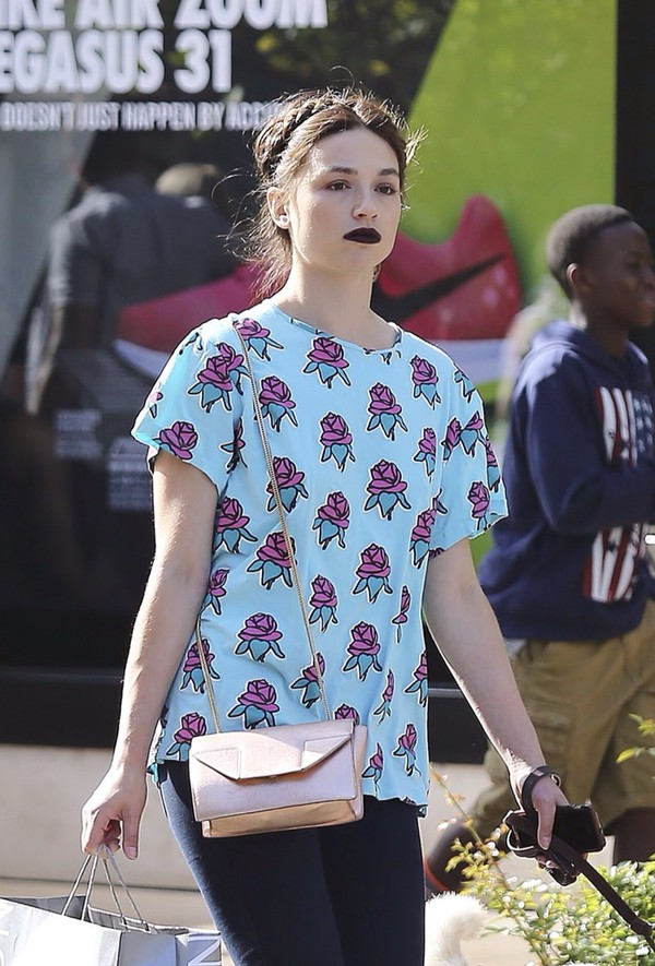 t-shirt crystal reed teen wolf blue t-shirt purple flowers
