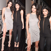 jumpsuit,sandals,gladiators,kendall and kylie jenner,kendall jenner,kylie jenner,dress,grey dress,kardashians,pants,shoes,celebrity style,celebrity,short dress,greek sandals,black jumpsuit,black sandals,leggings