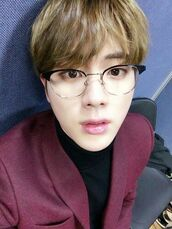 sunglasses,bts,K-pop,kpop,seokjin,bangtan boys,glasses