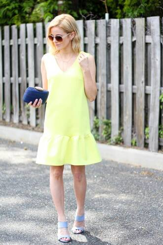 kim tuttle the knotted chain - a style blog by kim tuttle blogger dress bag