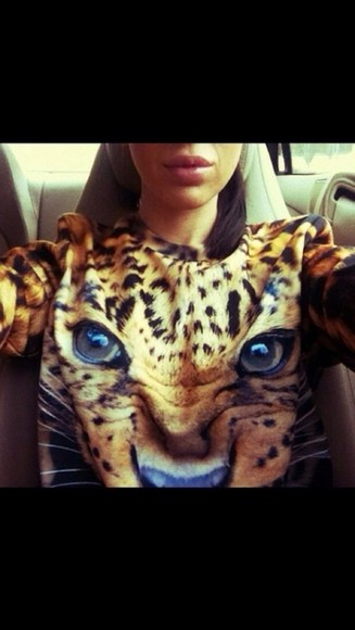 woman shirt sweater leopard print selfie Woman animal print socks