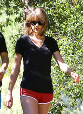 shorts,taylor swift,sportswear,top,sports shorts