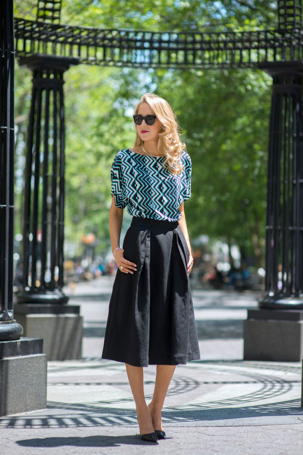 the classy cubicle skirt shirt shoes jewels sunglasses