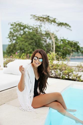stephanie sterjovski - life + style blogger swimwear sunglasses make-up