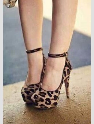 shoes cheetahprint cheetah print cheetah print shoes heels pumps brown black cute leopardprintshoes leopard print high heels sexy platform high heels platform shoes formal ankle strap heels ankle strap high heels ankle straps high heels