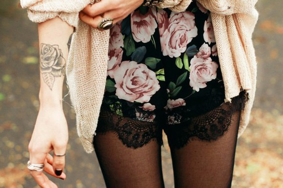 lace shorts cute floral grunge black shorts girly roses High waisted shorts flowers short 90's