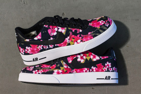 shoes style black trainers pink fashion color flower nike air floral nike sneakers floral shoes nikes girls sneakers air