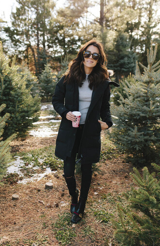 hello fashion blogger sweater shoes sunglasses coat make-up black coat fall outfits gucci shoes black jeans