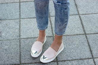 shoes metal metallic pink white flats platform shoes slip on shoes sneakers low fashion edgy girl girly urban hipster