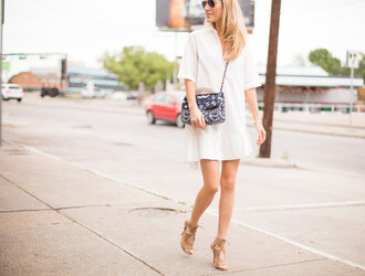 krystal schlegel blogger dress shoes sunglasses coat scarf