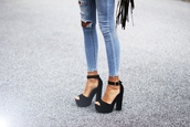 shoes,jeans,sexy jeans,high heels,bikini,skirt,black and white,black,heels,amazing,black heels,weheartit,outfit,outfit idea,hells,black shoes,platforme,fashion,leather,platform shoes,black talon gros