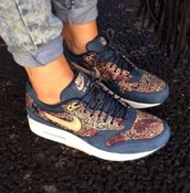 shoes,nike sneakers,white,sneakers,nike,air max,nike air max 90 hyperfuse,full pink,blue,pattern,nike air max 1,liberty,qa-armory navy,vachetta tan,nike running shoes,nike roshe run,nike air,floral,nike air max 2013